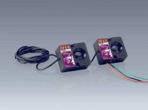 """Import """"Stop & Go"""" Appareil pour faire fuir les martres Angle de rayonnement de 160°, anti-chocs et anti-éclaboussures, modulation de fréquence automatique 12 V 35-70 mA environ 85 dB Numéro de produit 07515 de la marque Import image 0 produit"""